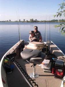 Artur und Jörg im Angelboot