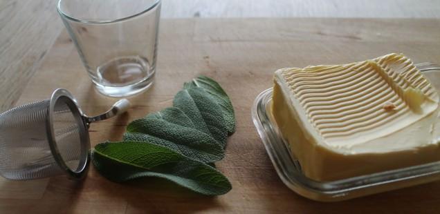 Die Zutaten für selbst gemachte Salbei Butter