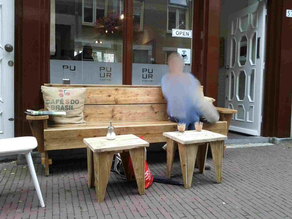 Einkaufen in Arnheim und Chillen im PUUR Koffie