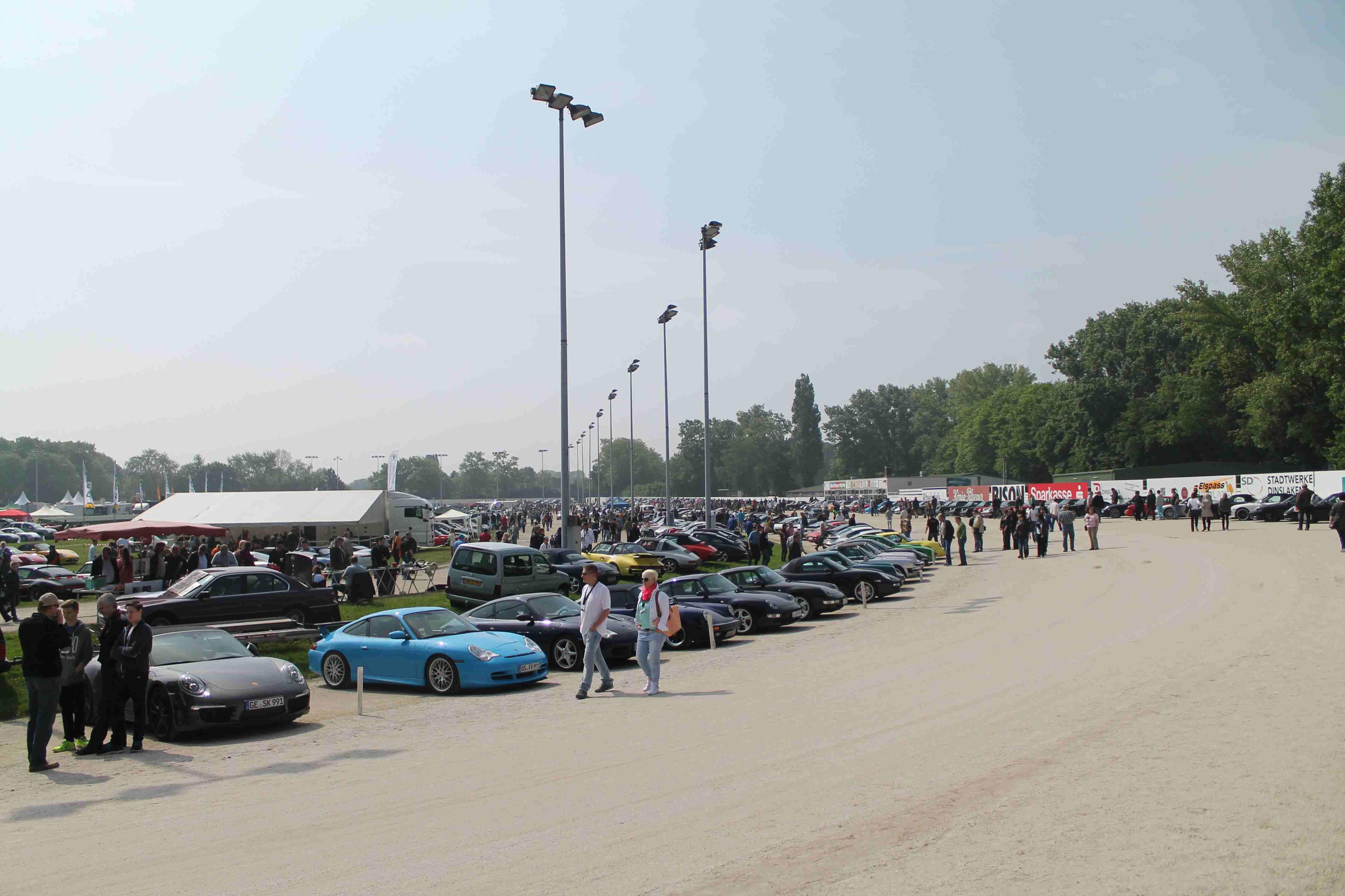 Es war so richtig voll auf dem Porsche Treffen in Dinslaken 2014