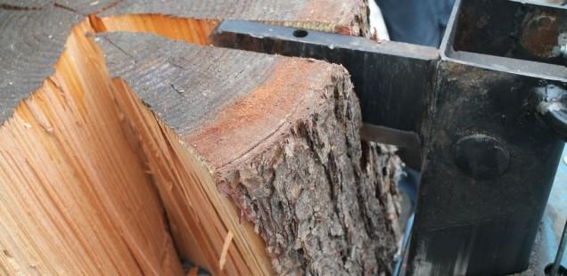 Holzspalter Erfahrung - so spaltete man große Holzstücke in Scheiben