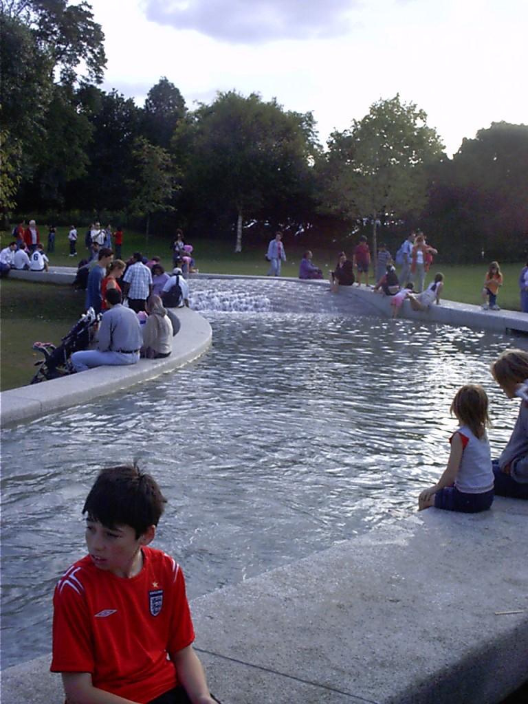 Hyde Park - Diana Memorial Fountain Gedenkbrunnen