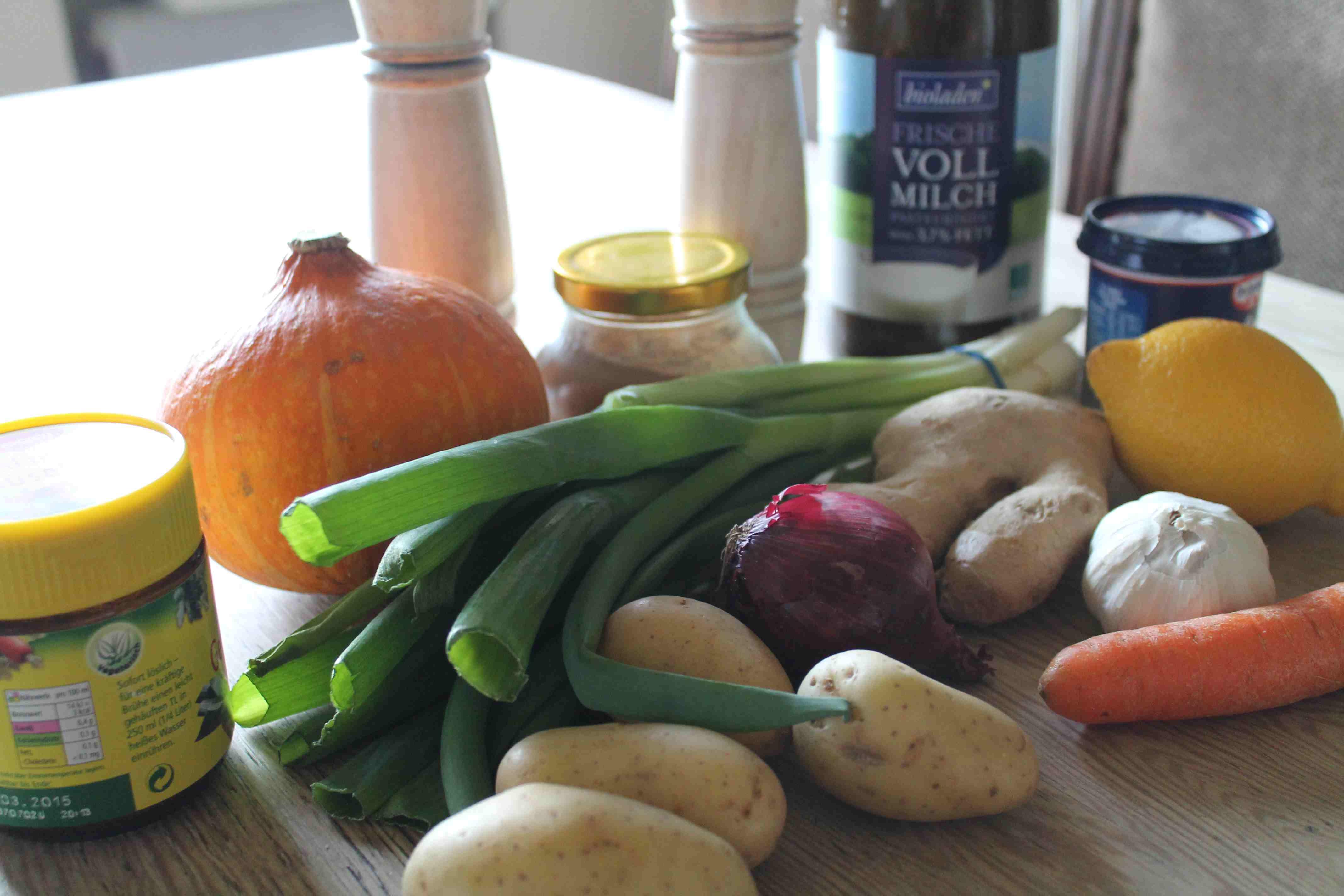 Zutaten für das Kürbissuppe Rezept mit Ingwer