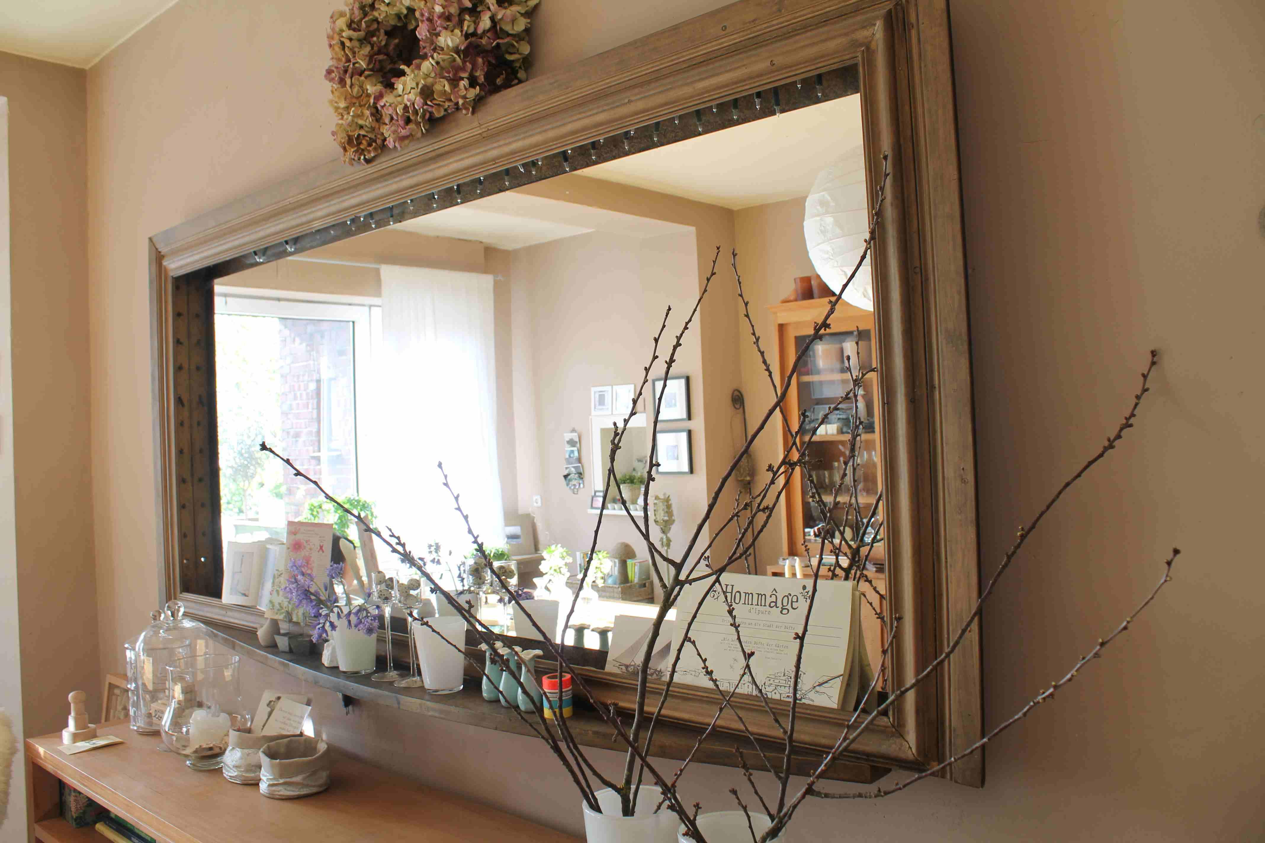 Riesiger Spiegel ist auch ein Zeichen von Gemütlichkeit