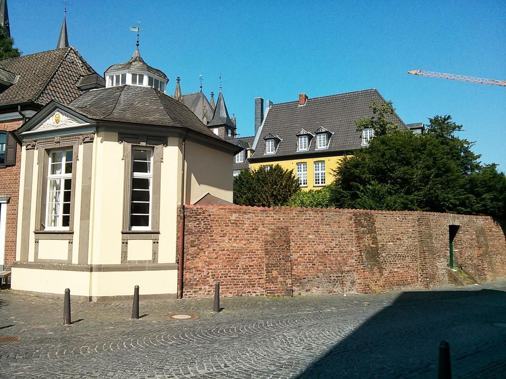 Xanten Ausflug: Xantener Stadtmauer in der Nähe des Marktplatzes