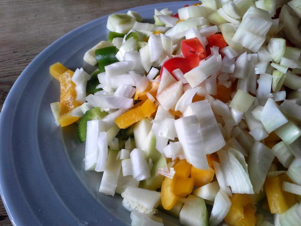 Zucchini Chutney Zutaten geschnitten