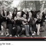 11 Freundinnen mit Glatze – Anything For Love