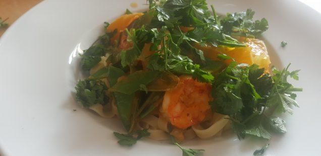 Tagliatelle mit Garnelen in Orangensauce