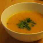 Mango-Möhren-Suppe Rezept - einfach zubereiten und fruchtig genießen