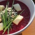 Rote Bete Suppe mit Ingwer, Zwiebel und Äpfel