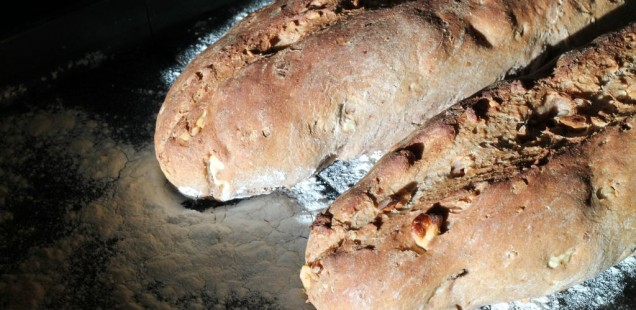 Lasst euch dieses wunderbare Walnuss Kastanien Baguette schmecken.